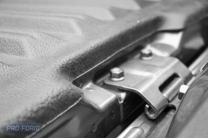 Mitsubishi Triton L200 Sportguard close up
