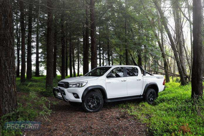Toyota Hilux with OEM bar and Sportlid for Tango Tonneau cover