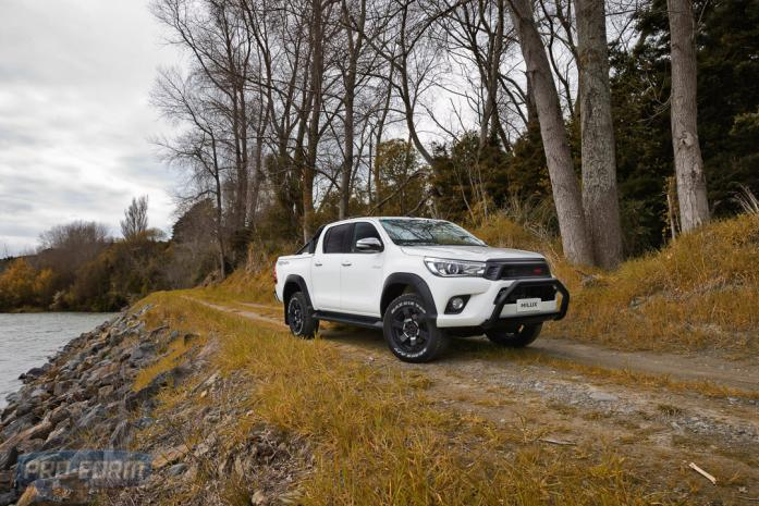 White TRD Toyota Hilux with PRO-FORM Sportlid for tango